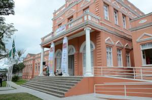 População de Paranaguá ganha Biblioteca Pública e espaço cultural